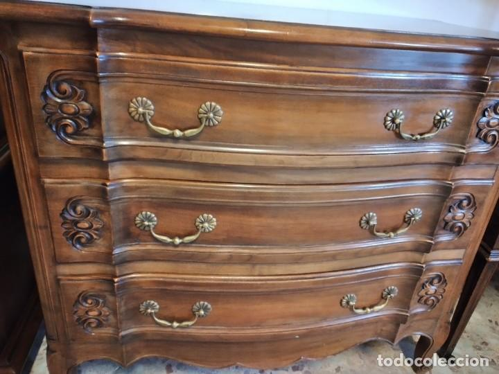 Antigüedades: Antigua cómoda de madera de roble. Estilo isabelino años 40,3 cajones, tiradores de bronce - Foto 8 - 234426370