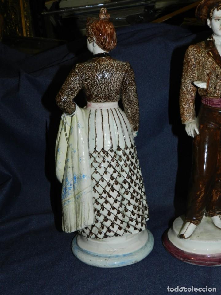 Antigüedades: (M) ANTIGUA PAREJA DE FIGURAS DE DOS ANDALUCES DE LOZA , S.XIX . TEMAS POPULARES , 36X13 CM. - Foto 6 - 234467780
