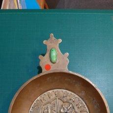 Antigüedades: CENICERO DE BRONCE VINTAGE HISPANIA RVM REX 1710 28X22 ANTIGÜEDADES O ALMACÉN DO COLISEVM. Lote 234487740