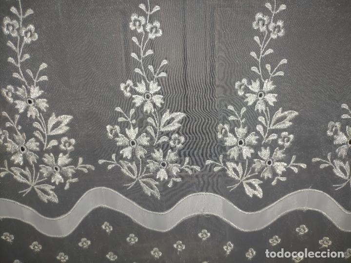 Antigüedades: 260x38 cm precioso encaje paño altar gasa bordada floral aplicaciones raso blanco iglesia virgen lee - Foto 2 - 234552950