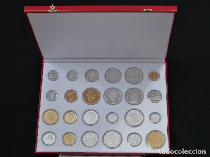 Antigüedades: Emisión de 24 monedas de plata que forman la historia de la peseta. - Foto 3 - 234585015