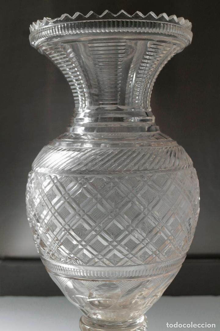 Antigüedades: Magnífico jarrón vidrio tallado 1860 aprox. 30 cm - Foto 2 - 234589845