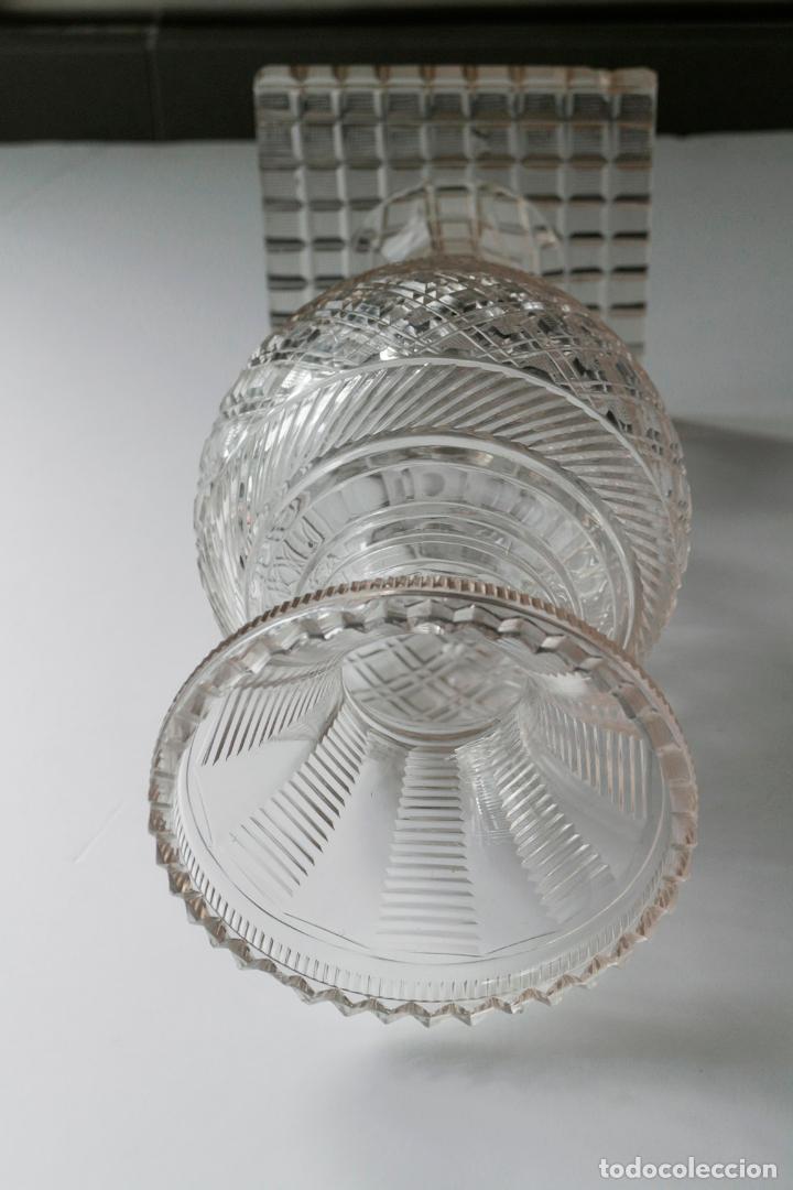 Antigüedades: Magnífico jarrón vidrio tallado 1860 aprox. 30 cm - Foto 3 - 234589845