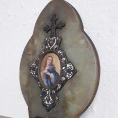 Antigüedades: RELICARIO BENDITERA CON IMAGEN EN MARFIL ESMALTADO. Lote 234590340