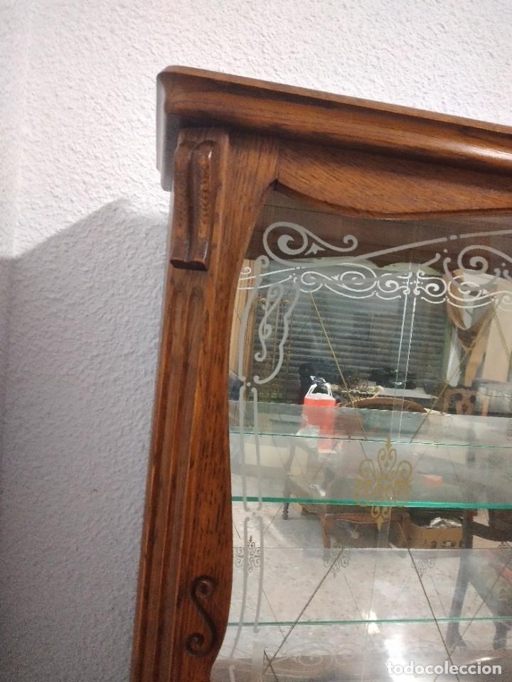 Antigüedades: Antigua vitrina de madera de cerezo silvestre, puertas correderas de cristal y 2 puertas de barriga. - Foto 11 - 234616800