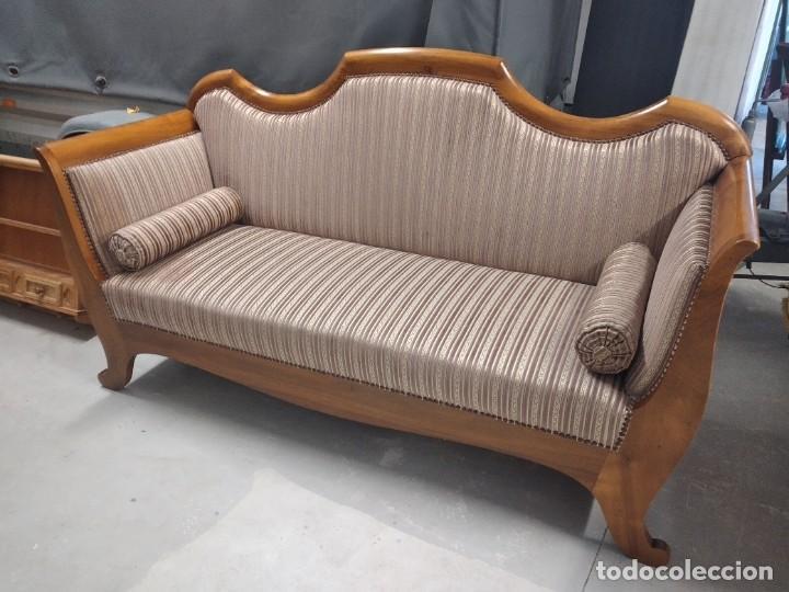 Antigüedades: Precioso sofá isabelino de madera noble, tapizad aterciopelado en rosa palido,con 2 cojines,1900 - Foto 3 - 234617210