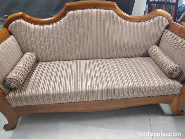 Antigüedades: Precioso sofá isabelino de madera noble, tapizad aterciopelado en rosa palido,con 2 cojines,1900 - Foto 6 - 234617210
