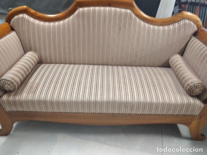 Antigüedades: Precioso sofá isabelino de madera noble, tapizad aterciopelado en rosa palido,con 2 cojines,1900 - Foto 7 - 234617210