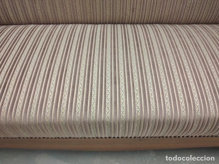 Antigüedades: Precioso sofá isabelino de madera noble, tapizad aterciopelado en rosa palido,con 2 cojines,1900 - Foto 12 - 234617210
