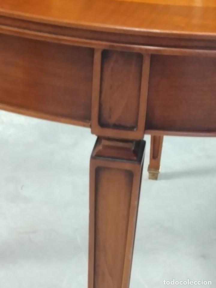 Antigüedades: Preciosa mesa extensible de madera noble, con adornos de laton en las patas.años 40/60 - Foto 6 - 234617425