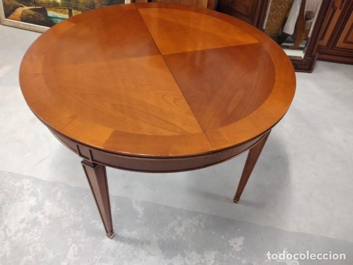 Antigüedades: Preciosa mesa extensible de madera noble, con adornos de laton en las patas.años 40/60 - Foto 8 - 234617425