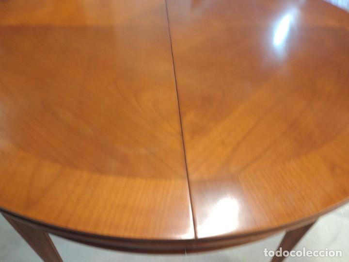 Antigüedades: Preciosa mesa extensible de madera noble, con adornos de laton en las patas.años 40/60 - Foto 10 - 234617425
