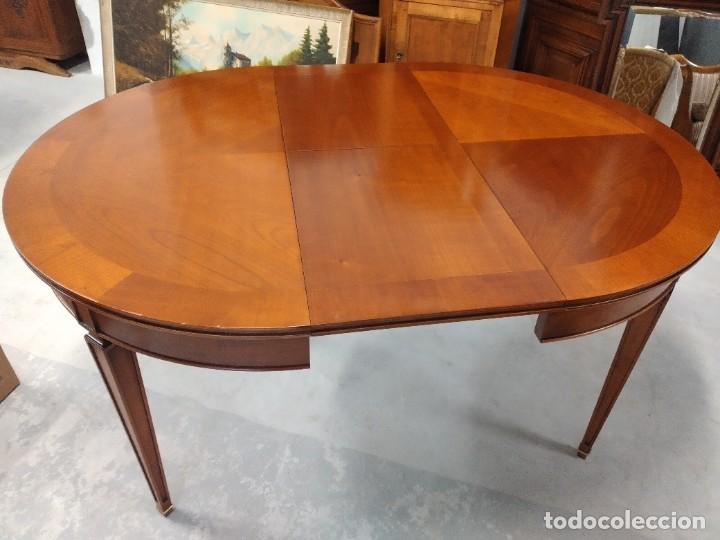 Antigüedades: Preciosa mesa extensible de madera noble, con adornos de laton en las patas.años 40/60 - Foto 12 - 234617425