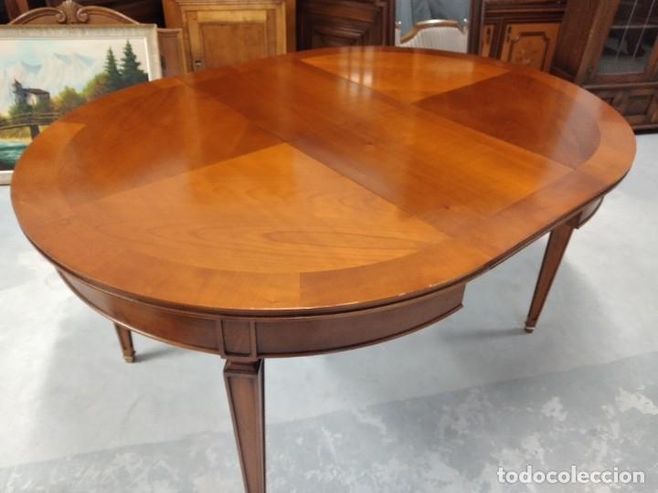 Antigüedades: Preciosa mesa extensible de madera noble, con adornos de laton en las patas.años 40/60 - Foto 14 - 234617425