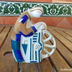 Antiguidades: FIGURA EN PORCELANA ,CERAMICA DE SARGADELOS AFILADOR. Lote 234617940