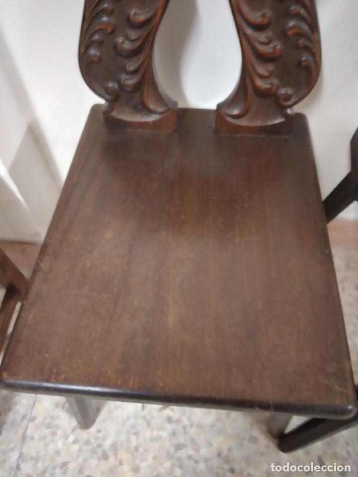 Antigüedades: Lote de 2 antiguas sillas de madera respaldo tallado, años 20/30 - Foto 6 - 234618105