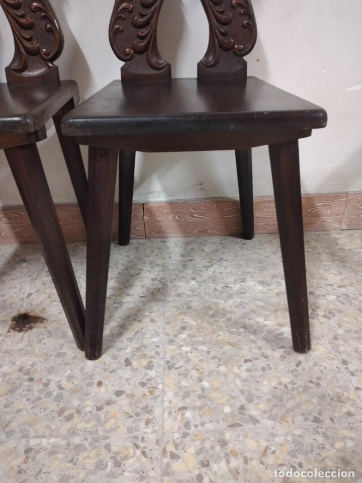 Antigüedades: Lote de 2 antiguas sillas de madera respaldo tallado, años 20/30 - Foto 7 - 234618105