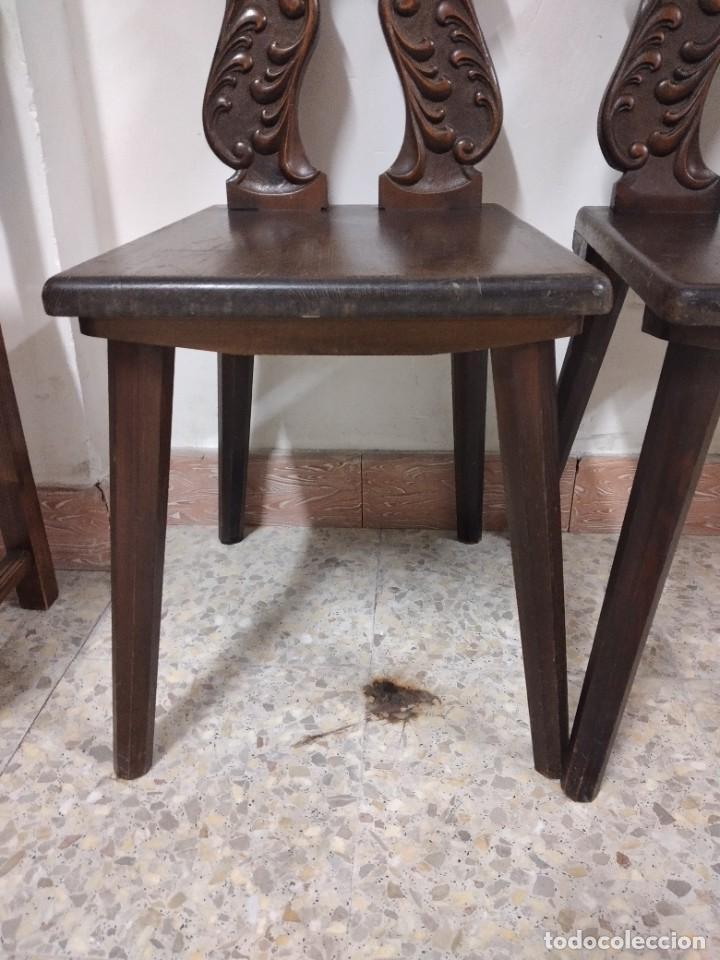 Antigüedades: Lote de 2 antiguas sillas de madera respaldo tallado, años 20/30 - Foto 8 - 234618105