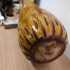 Antigüedades: JARRÓN PARAGÜERO DE CERÁMICA VIDRIADA. Lote 234633335