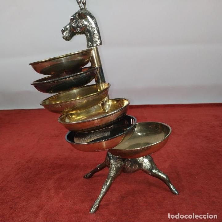 Antigüedades: BANDEJA DE APERITIVOS APILABLES. METAL CHAPADO EN PLATA. ESTILO VALENTÍ ESPAÑA. S. XX - Foto 4 - 234702625