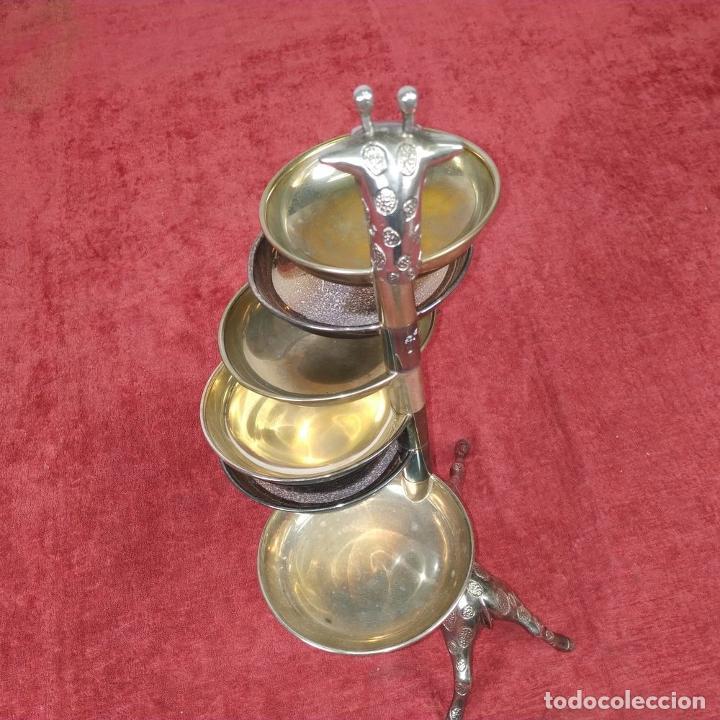 Antigüedades: BANDEJA DE APERITIVOS APILABLES. METAL CHAPADO EN PLATA. ESTILO VALENTÍ ESPAÑA. S. XX - Foto 6 - 234702625
