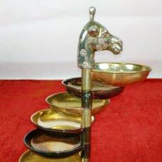 Antigüedades: BANDEJA DE APERITIVOS APILABLES. METAL CHAPADO EN PLATA. ESTILO VALENTÍ ESPAÑA. S. XX. Lote 234702625