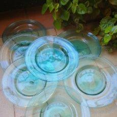 Antigüedades: PRECIOSO LOTE 7 PLATOS DE CRISTAL SOPLADO GORDIOLA (CRISTAL MALLORQUÍN), VIDRE BUFAT. 18CM.. Lote 234706170