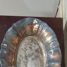 Antigüedades: ANTIGUA BANDEJA FRUTERO DE METAL BAÑADO EN PLATA. Lote 234726610