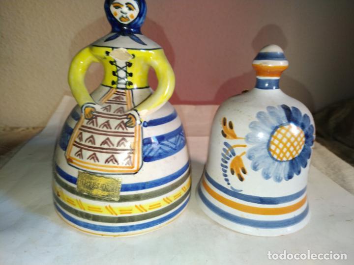 2 CAMPANAS CERAMICA TALAVERA ( TOLEDO ) DE LA MENORA . UNA DE ELLAS EN FORMA DE MUJER CON MANDIL. (Antigüedades - Porcelanas y Cerámicas - Talavera)