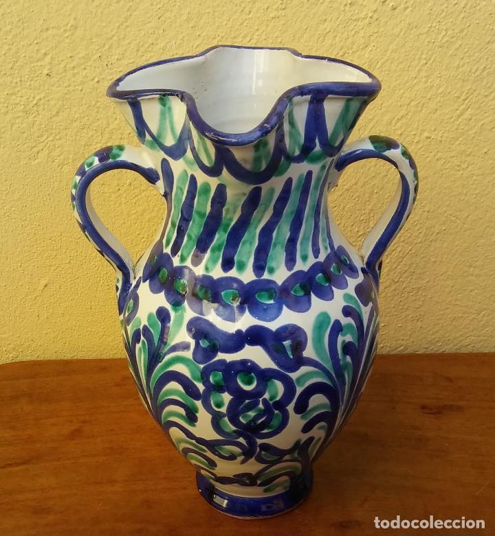 JARRON O FLORERO DE CERÁMICA FAJALAUZA, BOCA ONDULADA, 2 ASAS. (Antigüedades - Porcelanas y Cerámicas - Fajalauza)