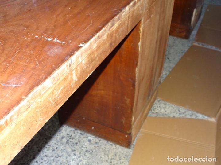 Antigüedades: ANTIGUO APARADOR DE PELUQUERÍA AÑOS 50-60 DE GRAN TAMAÑA EN ROBLE CON CAJONES - Foto 13 - 234773795