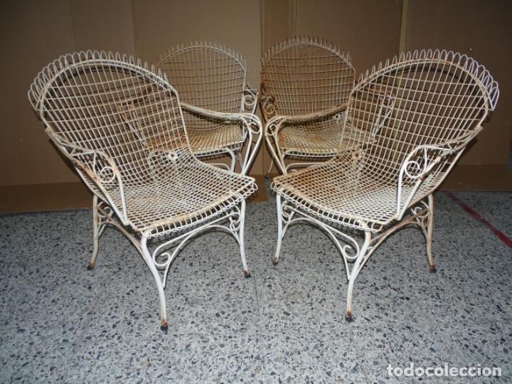 4 SILLAS EN FORJA DE HIERRO PARA JARDÍN O PISCINA. (Antigüedades - Muebles Antiguos - Sillas Antiguas)