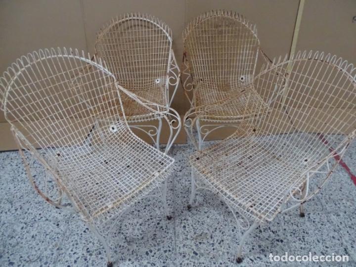Antigüedades: 4 SILLAS EN FORJA DE HIERRO PARA JARDÍN O PISCINA. - Foto 8 - 234777175