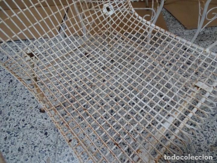Antigüedades: 4 SILLAS EN FORJA DE HIERRO PARA JARDÍN O PISCINA. - Foto 12 - 234777175
