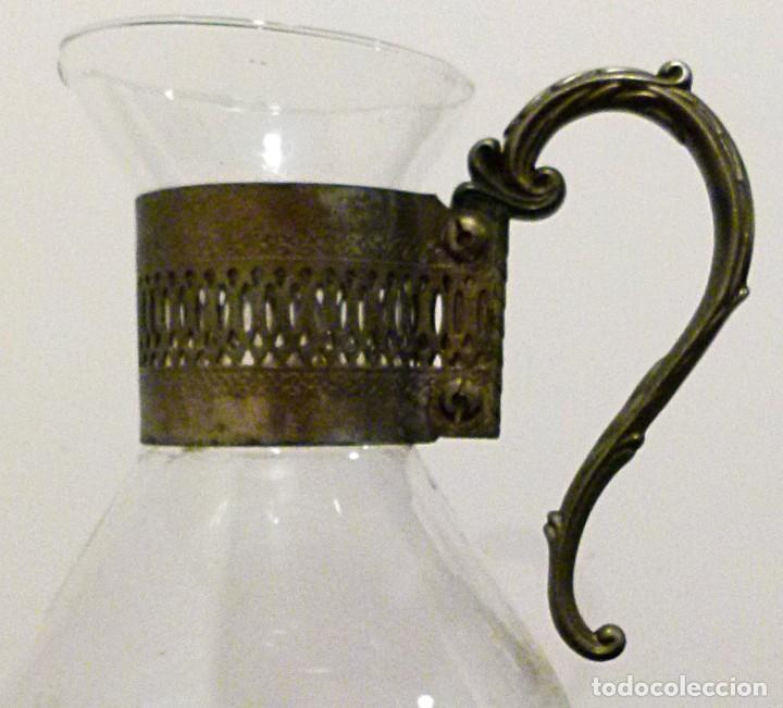 Antigüedades: PRECIOSA JARRA DE CRISTAL CON DECORACION DE ALPACA AÑOS 50-60 - VER FOTOS - Foto 4 - 234934740