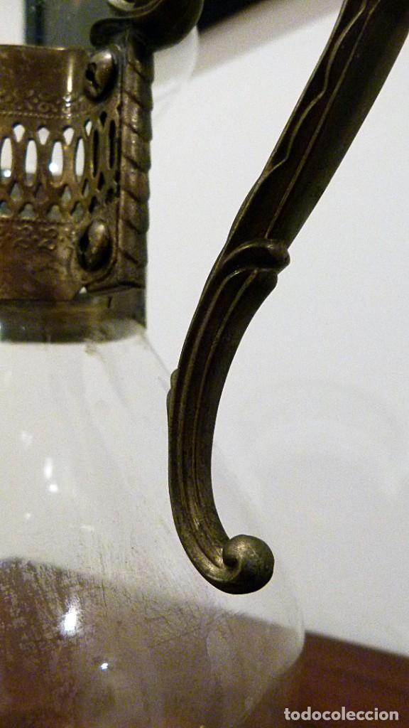 Antigüedades: PRECIOSA JARRA DE CRISTAL CON DECORACION DE ALPACA AÑOS 50-60 - VER FOTOS - Foto 9 - 234934740