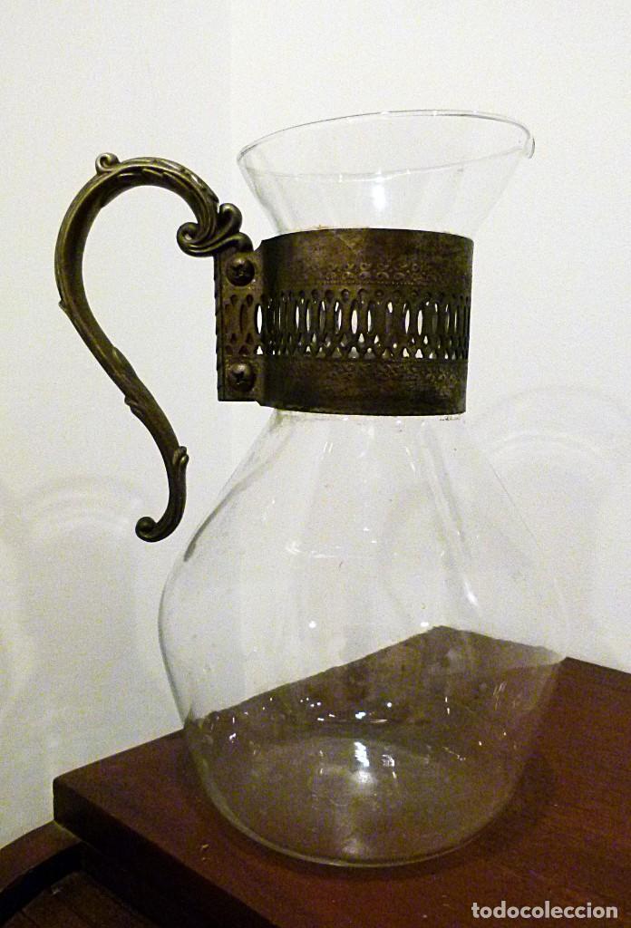 Antigüedades: PRECIOSA JARRA DE CRISTAL CON DECORACION DE ALPACA AÑOS 50-60 - VER FOTOS - Foto 10 - 234934740