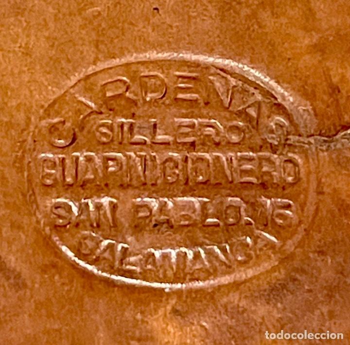 Antigüedades: ANTIGUO PORTA ESCOPETA, DEL CONOCIDO GUARNICIONERO MANUEL CARDENAS - Foto 2 - 234938860