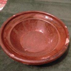 Antigüedades: ANTIGUO LEBRILLO / PALANGANA / GIBRELL DE CERAMICA POPULAR CATALANA DE COLOR MARRÓN SIGLO XIX. Lote 235056245
