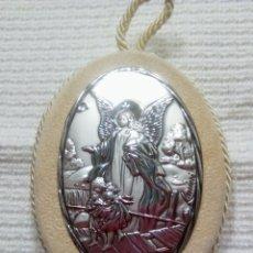 Antigüedades: PORTAPAZ RELIGIOSO. EN PLATA DE LEY ORFEBRERÍA ITALIANA FIRMA RANIERI. 9 CM ALTO POR 7 CM ANCHO.. Lote 235177435