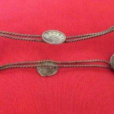 Antigüedades: ANTIGUA PINZA PARA SERVIR AZÚCAR. PLATA TURCA, FILIGRANA Y MONEDAS ANTIGUAS. Lote 235183450