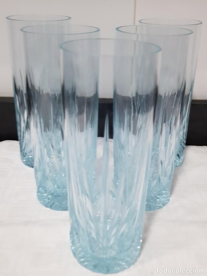 Antigüedades: Lote 5 vasos tubo cristal Bohemia tallados, cambian de color según la luz (ver fotos) - Foto 2 - 235187465