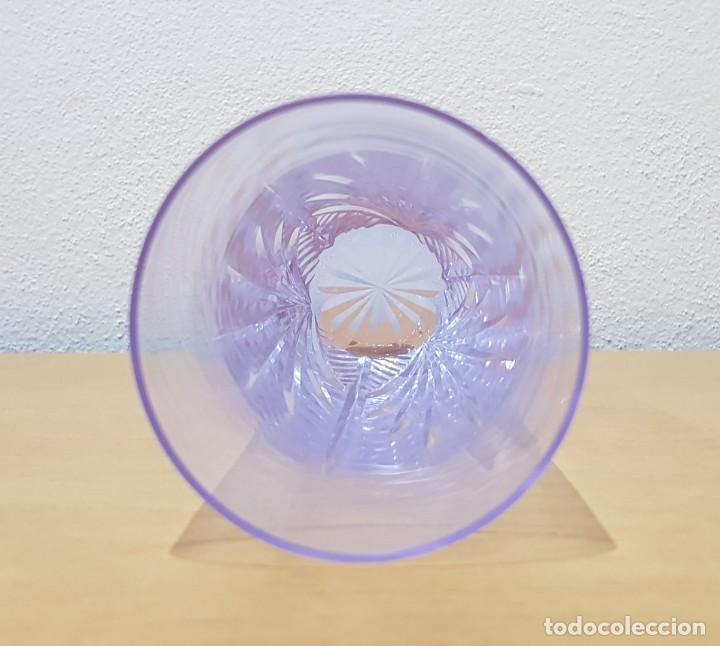 Antigüedades: Lote 5 vasos tubo cristal Bohemia tallados, cambian de color según la luz (ver fotos) - Foto 9 - 235187465