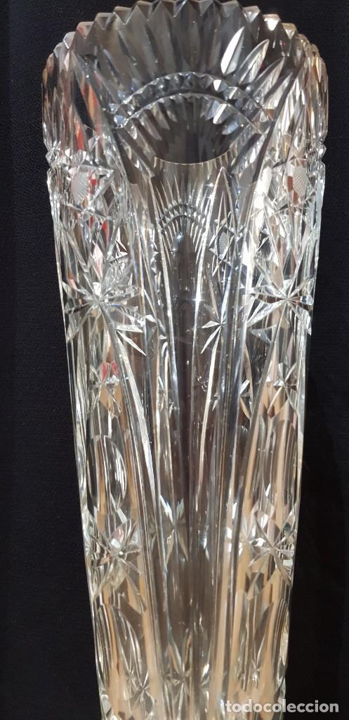 Antigüedades: Jarrón cristal Bohemia tallado-24% Pb - Base plata de ley (punzonado) Ver fotografías - Foto 10 - 235189610