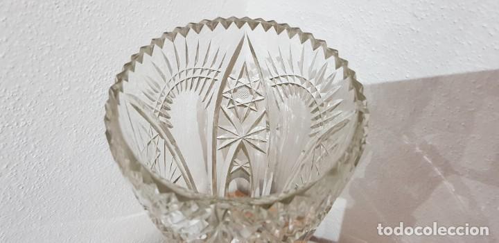 Antigüedades: Jarrón cristal Bohemia tallado-24% Pb - Base plata de ley (punzonado) Ver fotografías - Foto 12 - 235189610