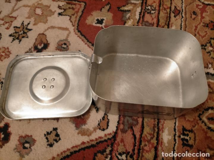 Antigüedades: Antigua fiambrera de aluminio con tapa rectangular Hispano Suiza de los años 30-40 - Foto 5 - 235195965