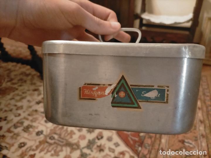Antigüedades: Antigua fiambrera de aluminio con tapa rectangular Hispano Suiza de los años 30-40 - Foto 9 - 235195965