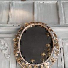 Antigüedades: ESPEJO METAL FLORES. PAN DE ORO. Lote 235270880
