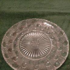 Antigüedades: ANTIGUO PLATO / BANDEJA / FUENTE DE CRISTAL PRENSADO DE ESTILO ART DECO AÑOS 40-50. Lote 235294075