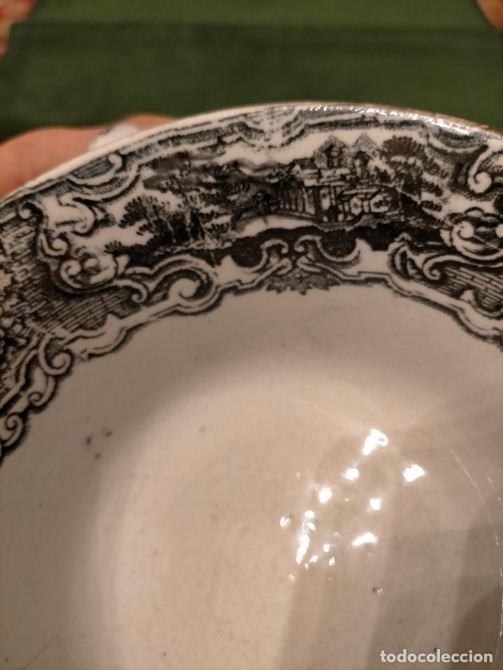 Antigüedades: Antiguos 6 plato / platos hondos de la Cartuja Pikman de Sevilla dibujo negro años 20-30 - Foto 3 - 235295325